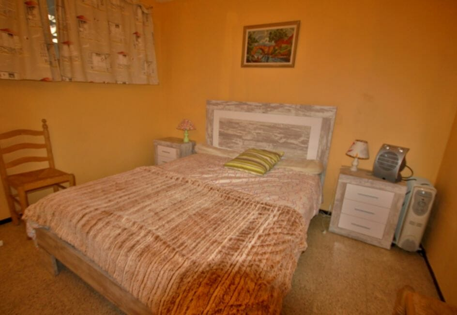 appartement a vendre a rosas, proche plage, première chambre avec lit double
