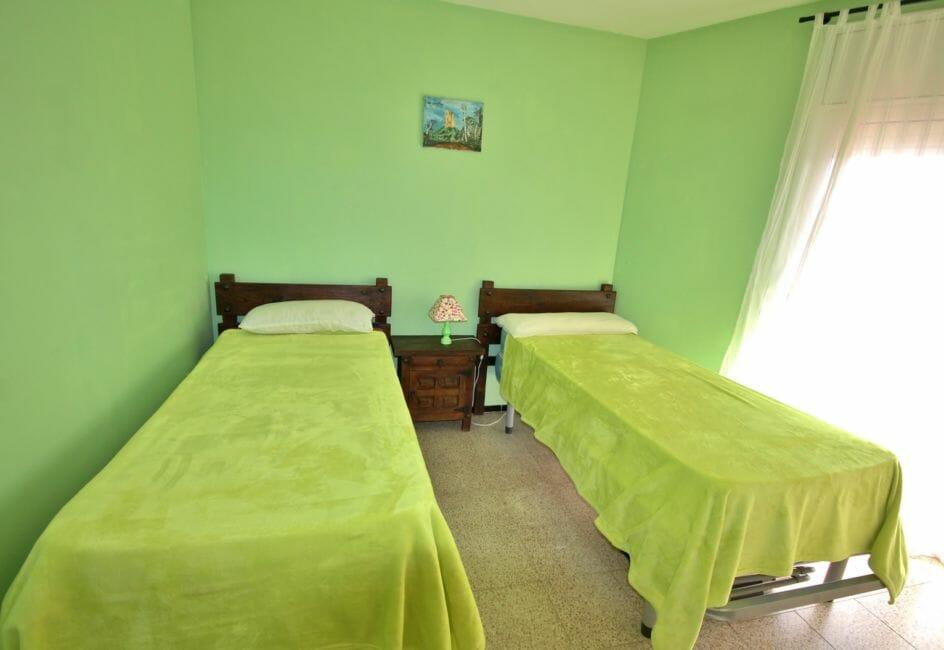 appartements a vendre a rosas, proche plage, deuxième chambre avec deux lits simples