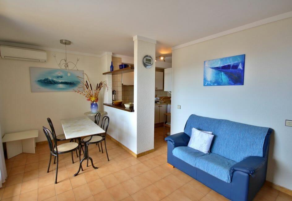 appartements a vendre a rosas, 71 m², salon / séjour avec cuisine semi ouverte