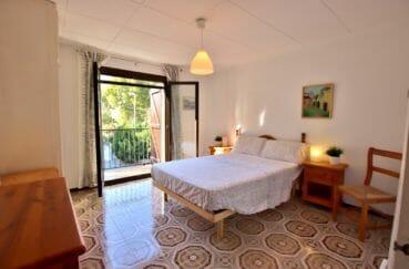 maison a vendre empuriabrava, parking, première chambre avec lit double accès balcon