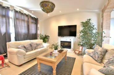 maison a vendre espagne rosas, charme, salon / séjour avec belle cheminée