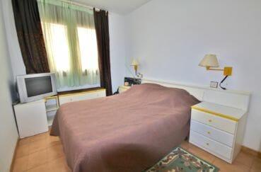 acheter appartement rosas, 71 m², première chambre avec lit double et rangements