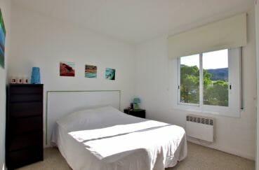 acheter appartement rosas, parking, chambre lumineuse avec lit double