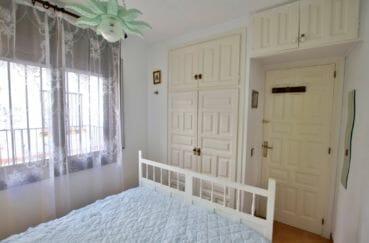 acheter appartement rosas, terrasse, chambre lumineuse avec des placards