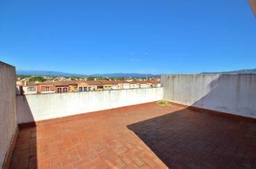 immobilier espagne costa brava: appartement atico, jolie terrasse solarium