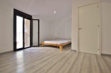 vente immobilière costa brava: villa 91 m², première suite parentale avevc salle d'eau attenante