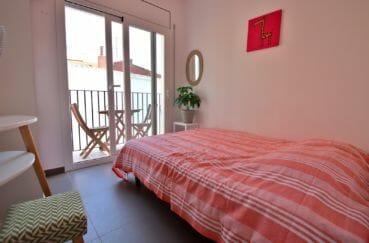 immocenter roses: villa 109 m², chambre 1 avec lit double accès balcon