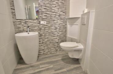 vente immobiliere espagne costa brava: villa 91 m², toilettes indépendantes avec lavabo