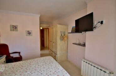 achat villa empuriabrava, garage, suite parentale avec salle de bains attenante et rangements