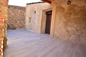 vente immobilière espagne costa brava: villa 91 m², aperçu porte d'entrée de la maison