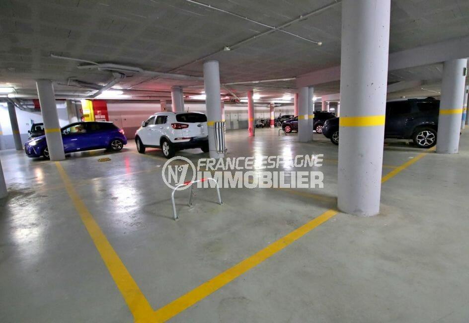 vente appartements rosas espagne, piscine, place de parking en sous-sol avec cavé privés