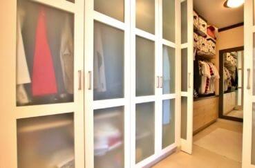 achat rosas: villa 500 m², grand dressing de la première suite parentale
