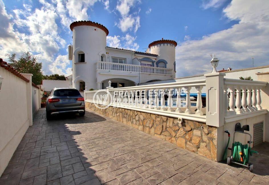vente immobilière costa brava: villa 142 m², parking cour intérieur terrain 300 m²