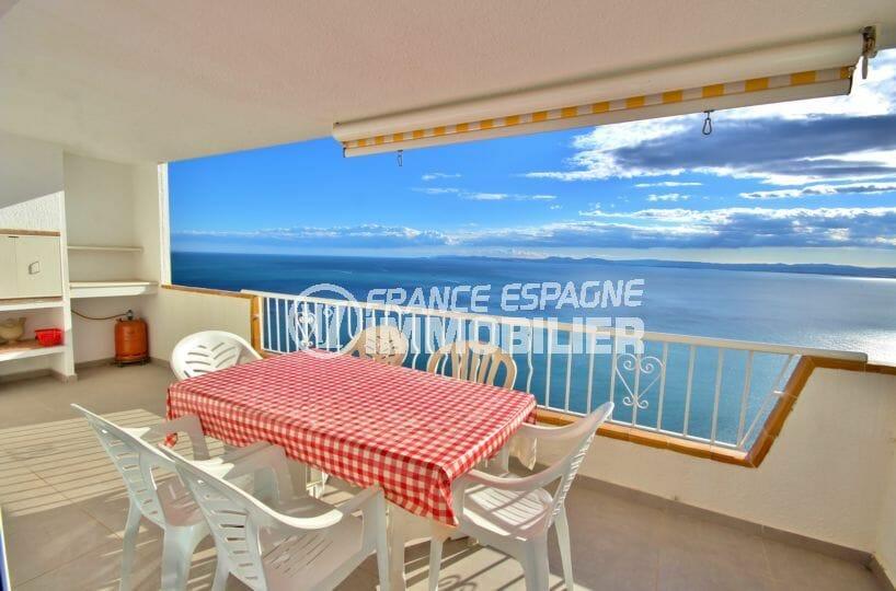 appartement a vendre rosas, vue mer 180°, grande terrasse et garage, proche plage