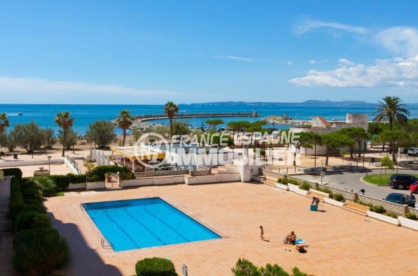 vente appartement rosas, grande terrasse vue mer, piscine, proche plage et commerces