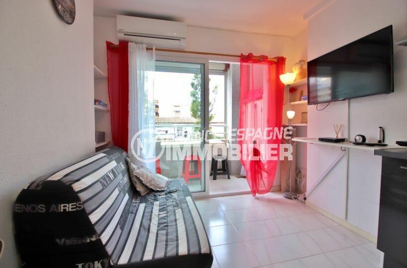 vente appartement empuriabrava, studio entièrement rénové avec terrasse, plage à 100 m