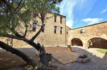 agence immobilière costa brava: villa proche rosas mas catalan rénové beaucoup de charme