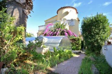 maison a vendre empuria brava, vue sur le canal avec amarre, piscine et garage