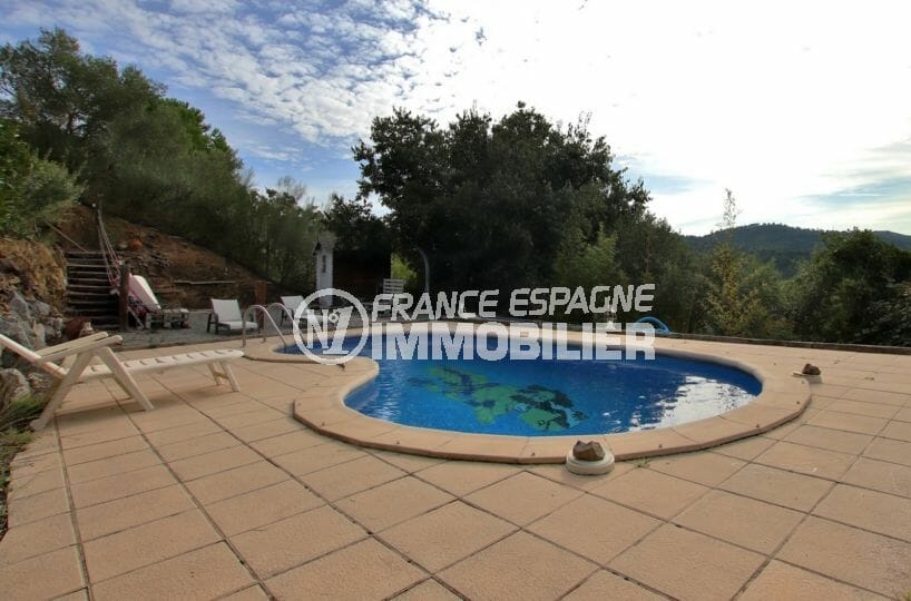 maison a vendre rosas, parking, aperçu de la piscine 6 m x 3.5 m avec lavabo, wc, douche