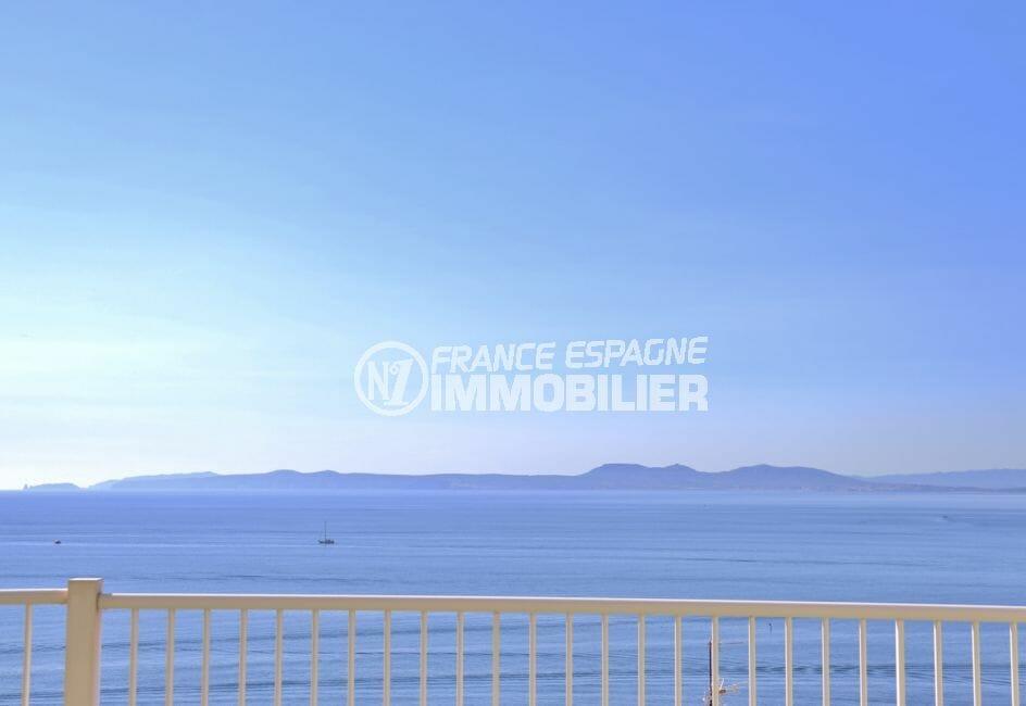 roses espagne: appartement 88 m², terrasse avec magnifique vue mer frontale