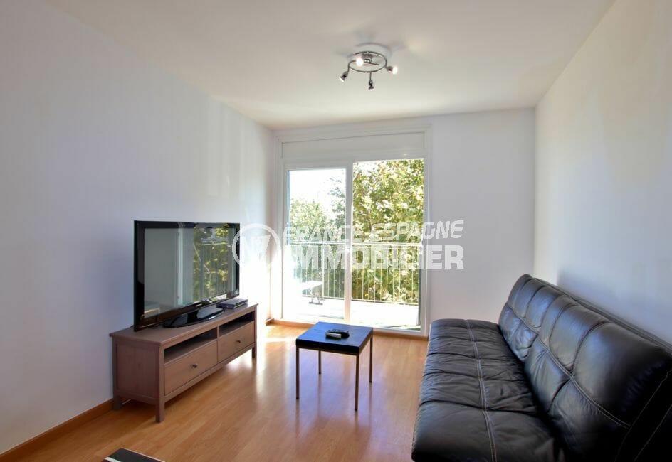 achat appartement empuriabrava, piscine, salon / séjour lumineux avec accès terrasse