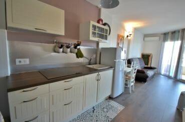 achat appartement empuriabrava, proche plage, cuisine équipée ouverte sur salon / séjour
