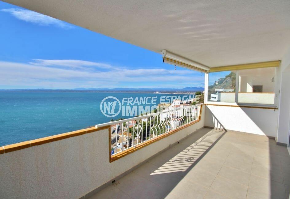 immo roses: appartement 67 m², grande terrasse de 19 m² avec barbecue