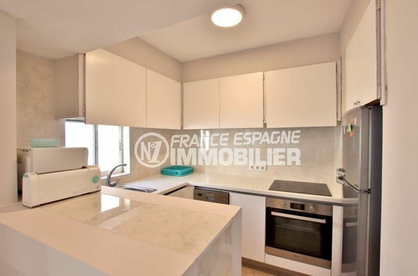 agence immobilière costa brava: villa 99 m², cuisine équipée et fonctionnnelle
