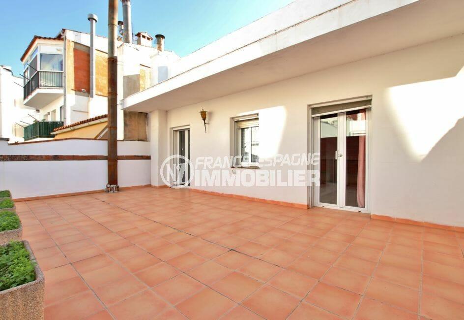 agence immobiliere costa brava: villa 260 m², terrasse solarium de 100 m²