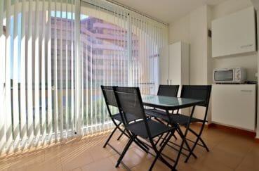 apparement a vendre rosas: appartement 53 m² avec vue mer,  salon/sejour avec terrasse veranda de 9 m²