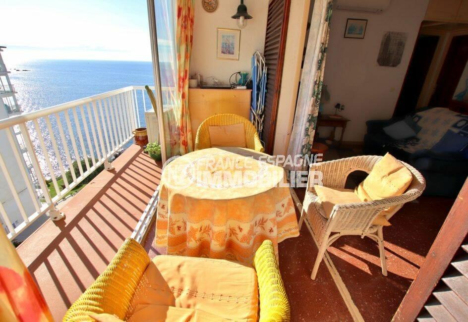immo roses: appartement 64 m², terrasse véranda et balcon avec coin détente, vue mer