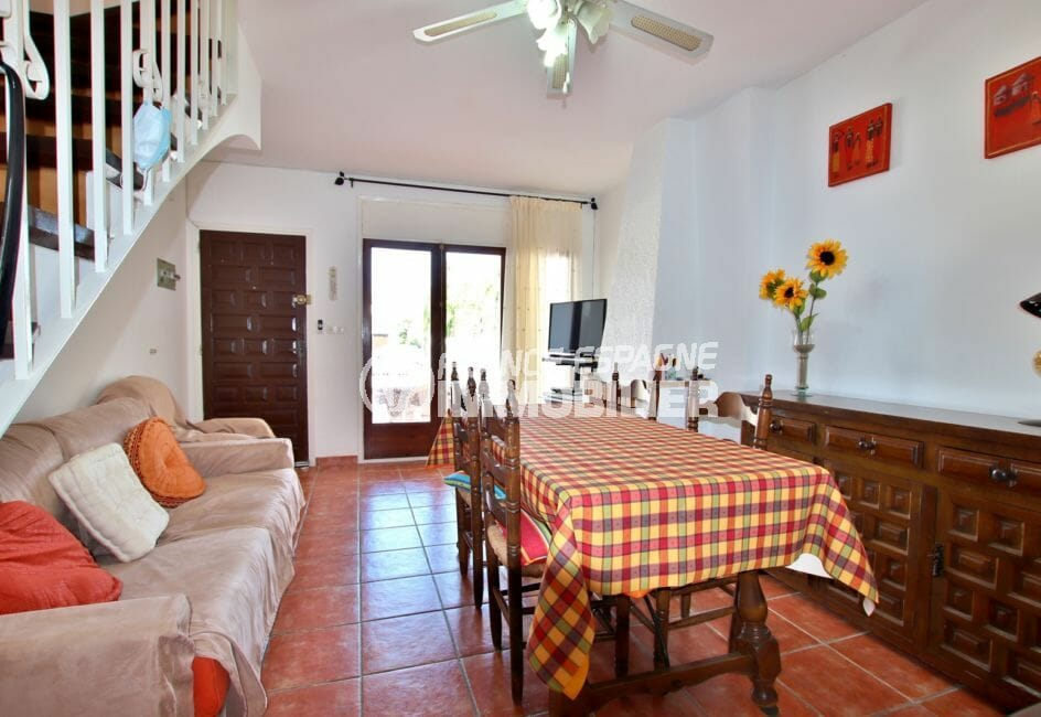 vente maison empuriabrava, parking, salon / séjour avec rangements accès terrasse