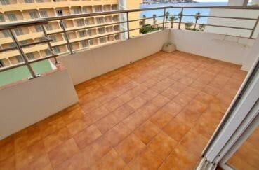 appartements a vendre a rosas, proche plage, grande terrasse de 11 m² vue dégagée
