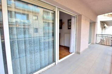 agence immobilière costa brava: villa 260 m², aperçu de la terrasse accès salon