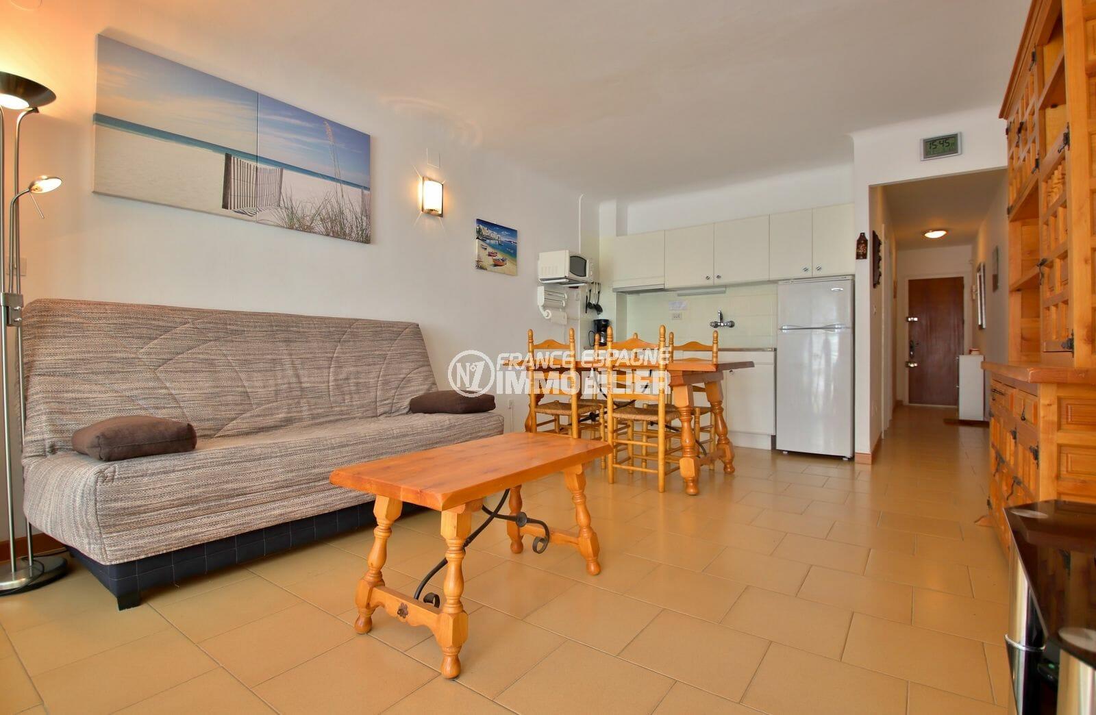 appartement a vendre rosas: appartement 53 m² avec vue mer, salon/sejour avec cuisine ouverte