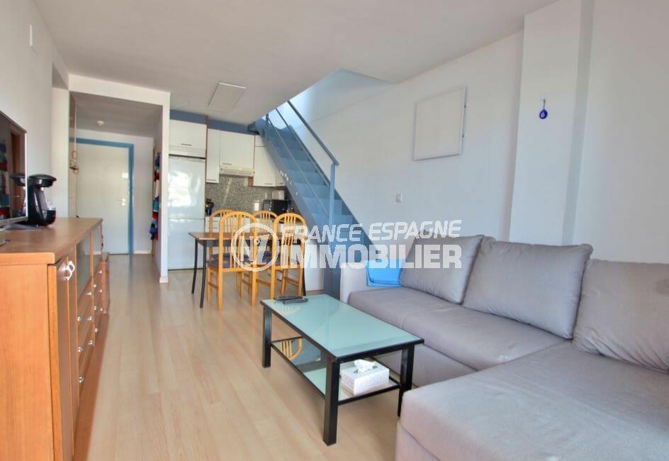 agence immobiliere costa brava: appartement 57 m², cuisine ouverte sur le salon / séjour