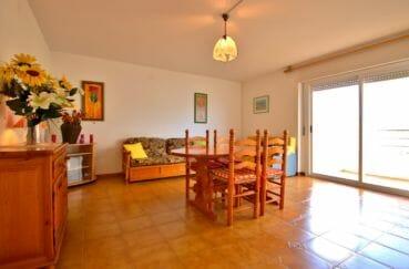vente immobiliere rosas: appartement 51 m², salon / séjour avec accès terrasse