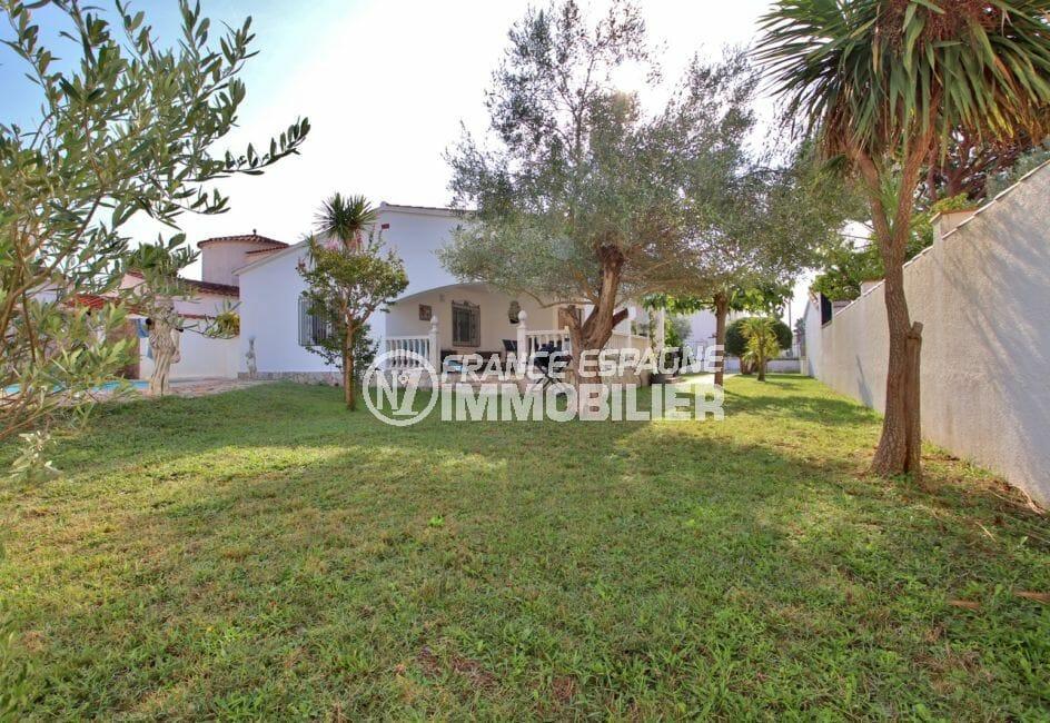 vente maison empuriabrava, garage, terrain de 617 m² avec piscine