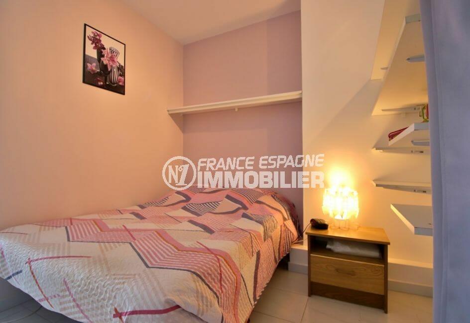appartement à vendre à empuriabrava: studio, chambre alcôve avce lit double