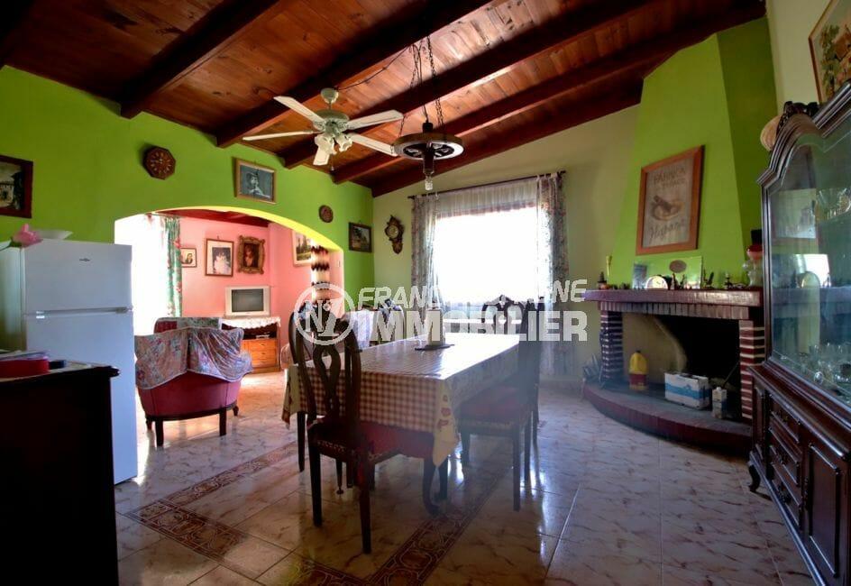vente immobilier rosas espagne: villa 91 m², salon / séjour avec belle cheminée