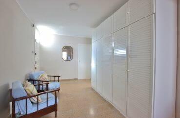 maison a vendre a rosas, 99 m² proche plage, hall d'entrée avec placards