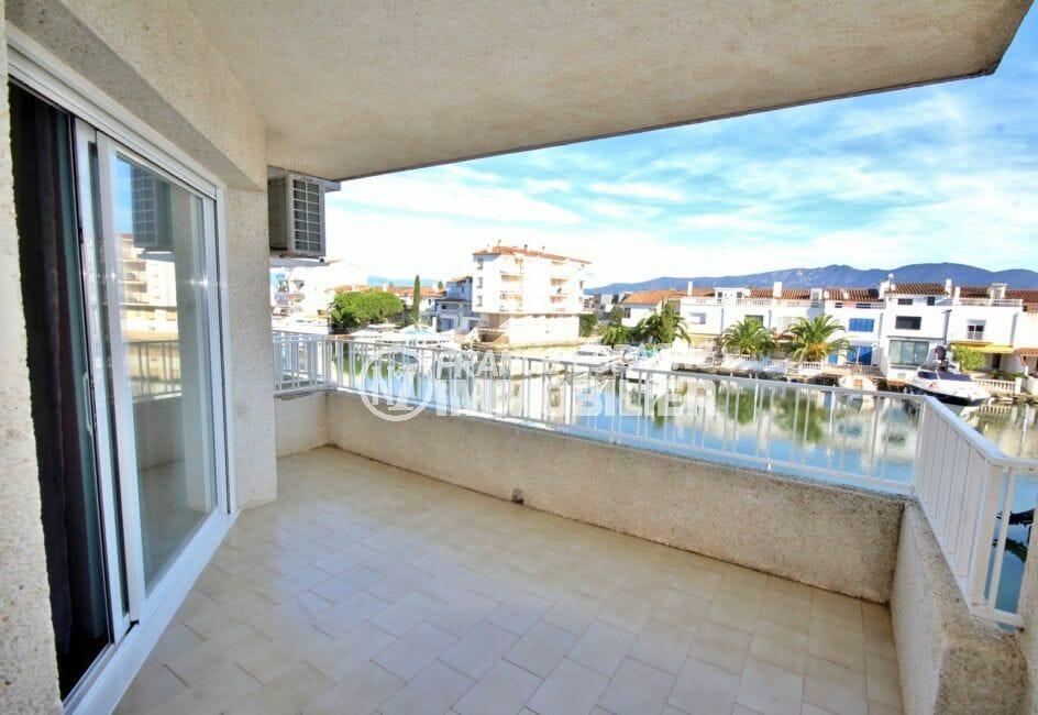 vente empuriabrava: appartement 48 m², vue sur la terrasse de 11 m² vue canal
