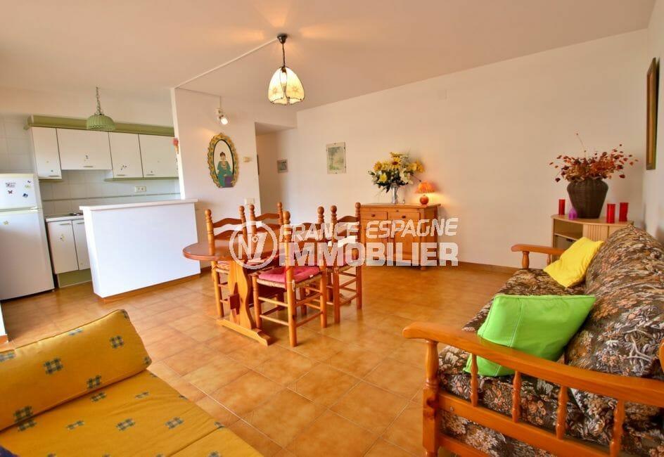 achat appartement rosas espagne: 51 m², salon / séjour avec cuisine ouverte
