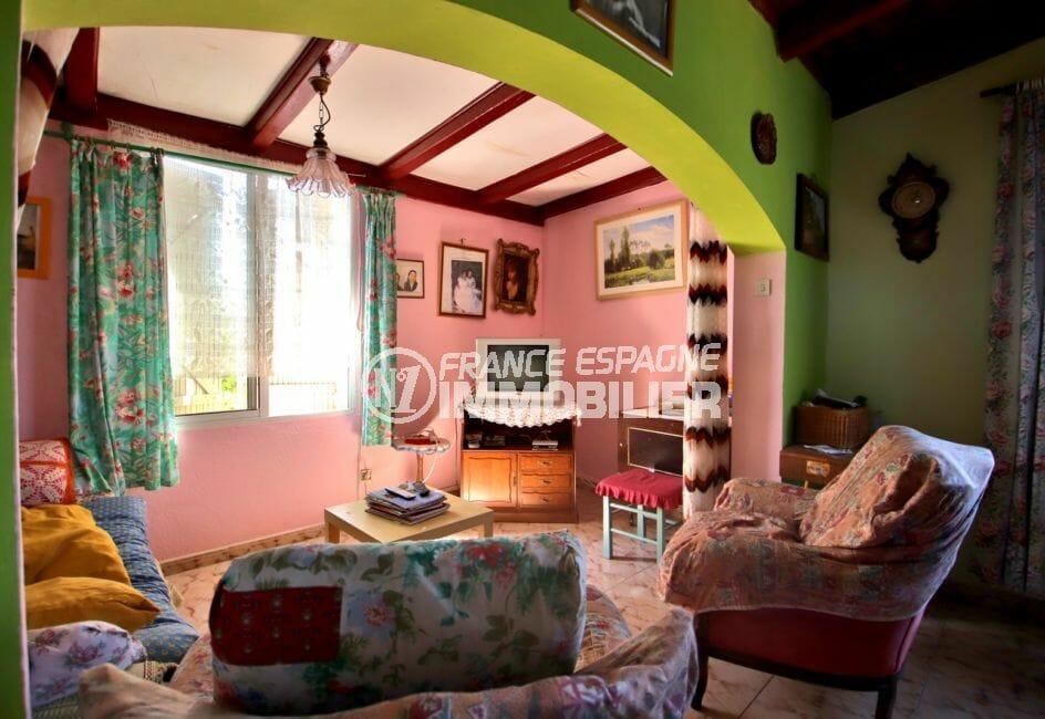 maison a vendre a rosas, garage, salon / séjour avec poutres apparentes