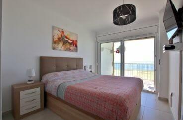 achat appartement rosas, proche plage, première chambre avec lit double accès terrasse