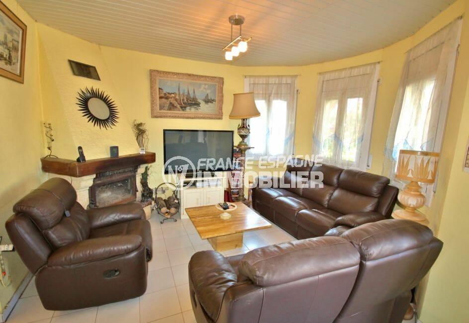 maison a vendre a empuriabrava, garage, salon / séjour avec belle cheminée