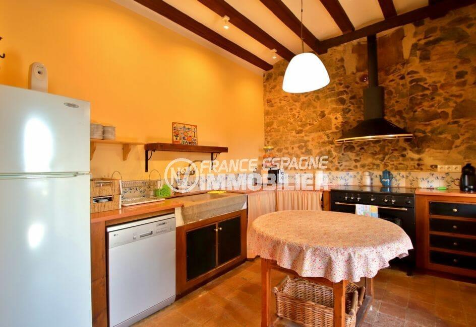 vente immobilier costa brava: villa 581 m², cuisine indépendante équipée et fonctionnelle