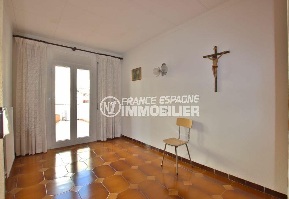 vente immobiliere rosas: villa 260 m², quatrième chambre avec accès à la terrasse