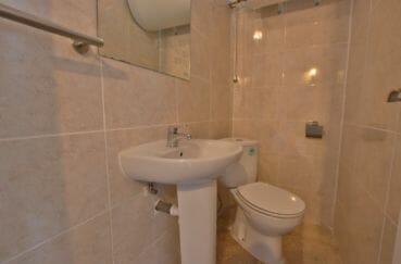vente maison rosas espagne, commerces 300 m, toilettes indépendantes avec lavabo