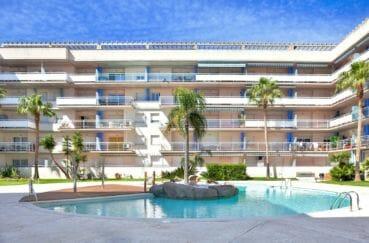 vente immobilier rosas espagne: appartement 57 m², vue sur la piscine communautaire
